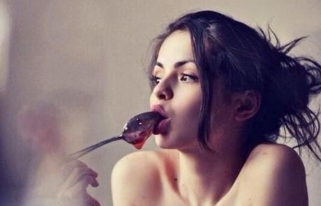 התמונה הזאת עושה לי חשק לאכול ריבה. לא אכפת לי איזה טעם או צבע…פשוט לאכול אותה. לא בא לכם גם?