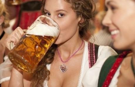 חברה שלך מזמינה דיאט קולה? קבל אוסף בחורות עם בירה