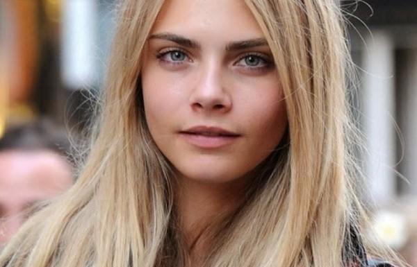 איך אפשר שלא לאהוב את הדוגמנית Cara Delevingne בעלת ה 1000 פרצופים?