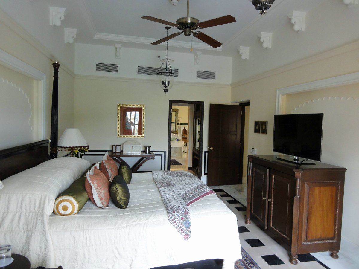 and-all-rooms-have-modern-amenities-like-lcd-tvs-wi-fi-dvd-players-and-ac-and-best-of-all-they-have-private-butler-service