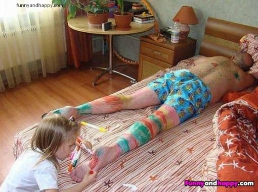 510x510_little-girl-paint-on-sleeping-dad