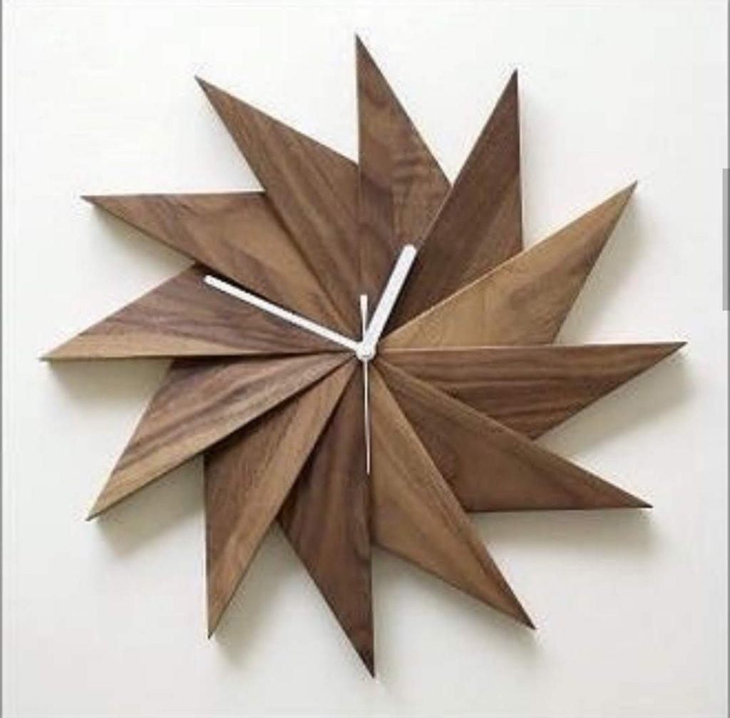 שעון מעוצב מעץ