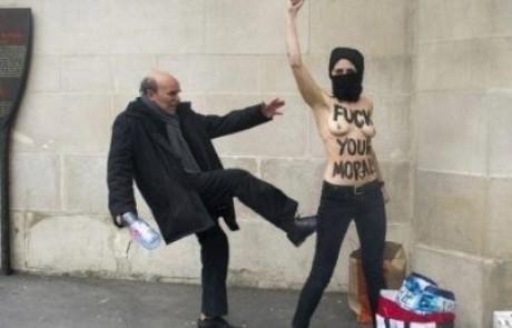 """מי היה מאמין? נשים ערביות ערומות שורפות דגלי המדינה האיסלמית """"דאעש"""" בפריז"""