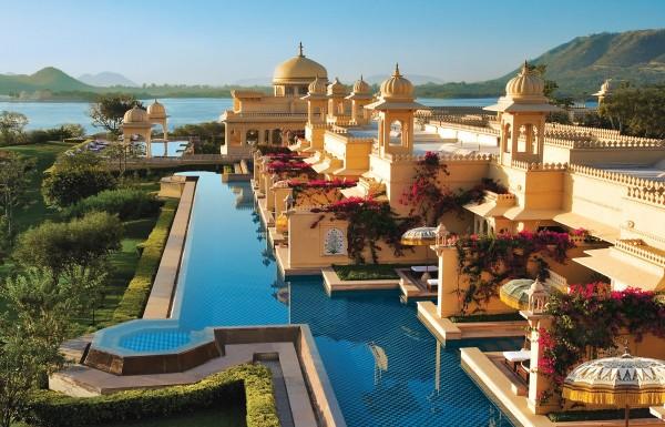 איך זה לשהות בבתי המלון הטובים ביותר בעולם, שם זוכים האורחים ליחס הזהה לזה של בני המלכות ההודית?